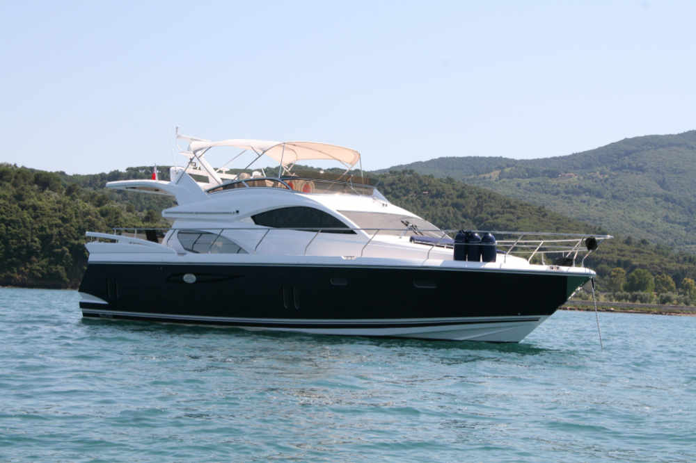 Pearl 60 | 2010 (low hours) | Puerto Portals | 6 week share | £75,000